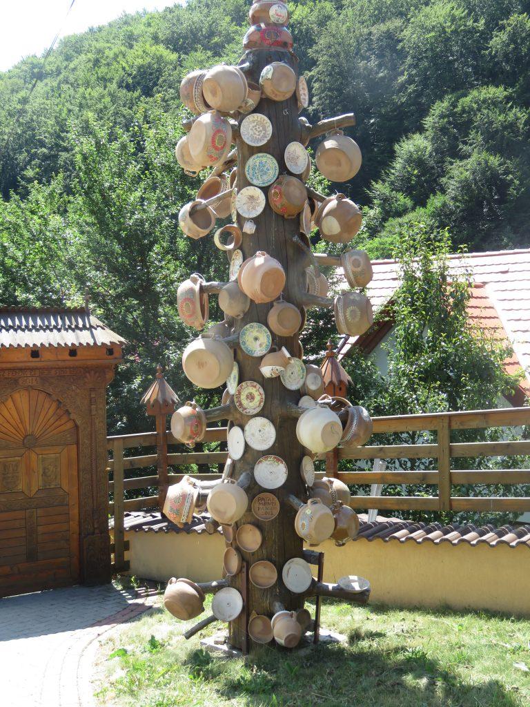 Corund, Harghita. Pottery tree at the Szasz family gueshouse. August 9. By Ella Mutler-Marculescu